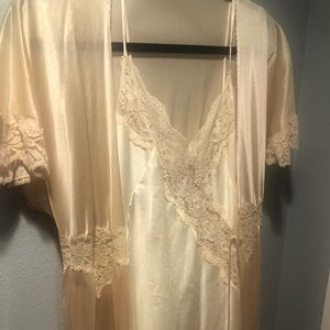 Vintage lingerie nightgown and robe